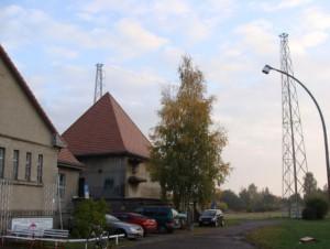 Funkerberg Königs Wusterhausen: Die Sendemasten der Antennenanlage für Welle 370 auf 810 kHz. Foto: DXaktuell.de